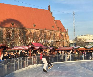 Holiday On Ice Time
